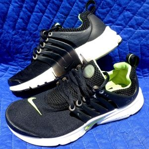 Nike 833875-071 Presto GS Black Sneakers